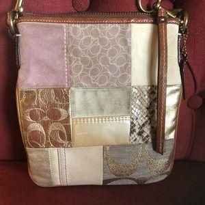Crossbody handbag